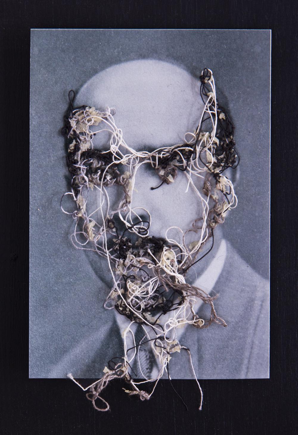 Abuelo Catá A flor de piel, 06. 10x15 cm. Fotografía, hilo y piel. 2012