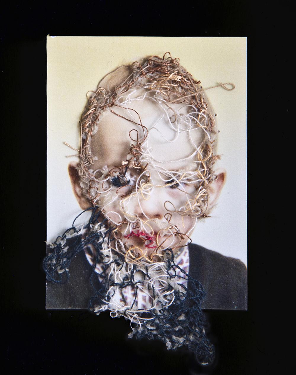 Mi hermano Javi. A flor de piel, 01. 10x15 cm. Fotografía, hilo y piel. 2012