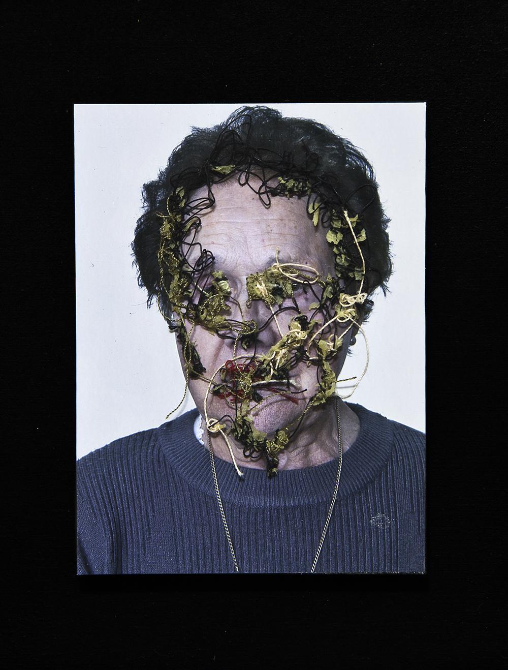 Abuela Lolina A flor de piel, 12. 10x15 cm. Fotografía, hilo y piel. 2013