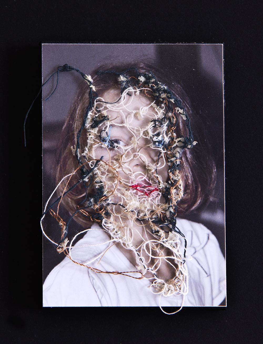 Mi prima María. A flor de piel, 02. 10x15 cm. Fotografía, hilo y piel. 2012