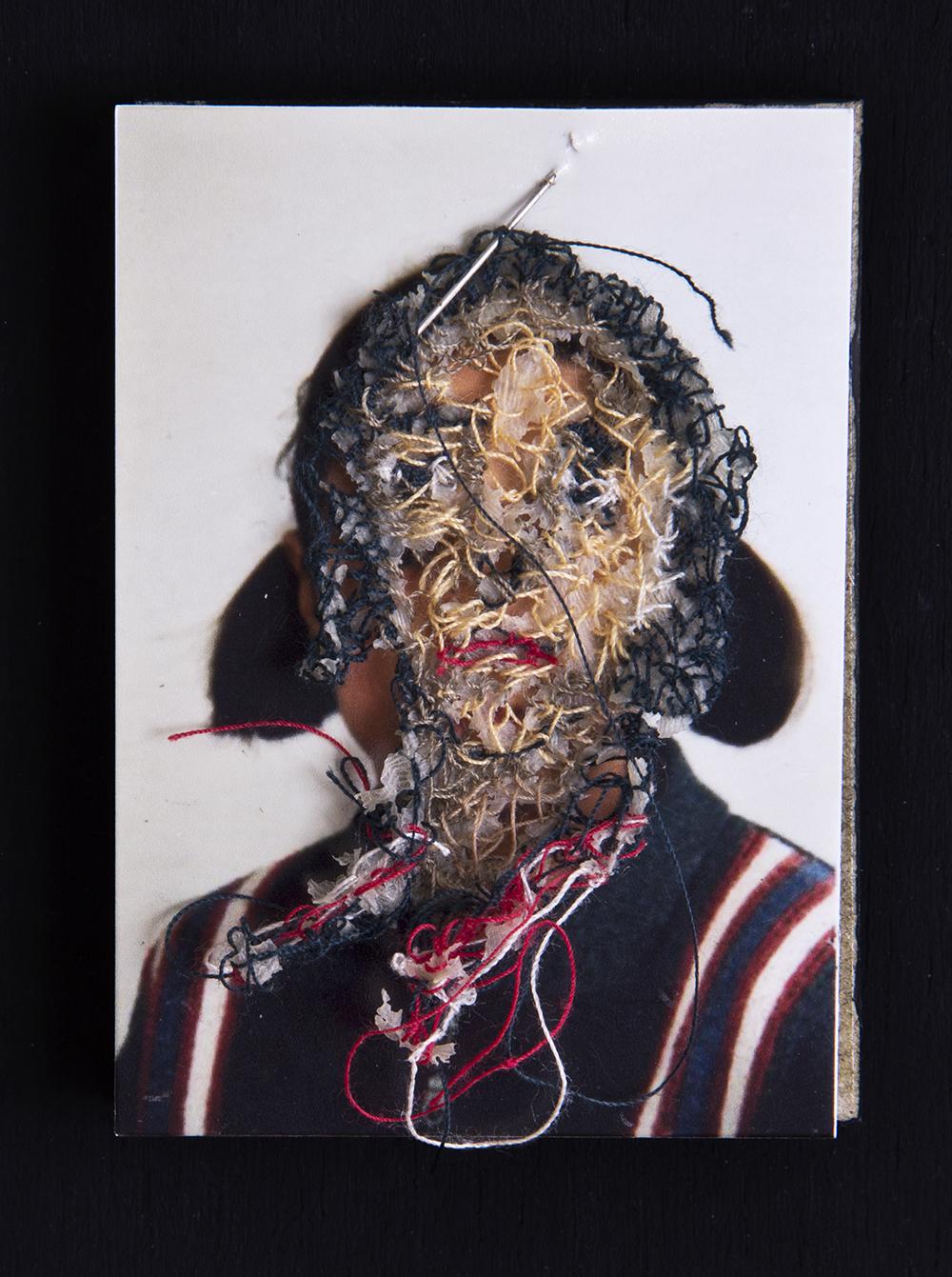 Mi prima Anita A flor de piel, 04. 10x15 cm. Fotografía, hilo y piel. 2012