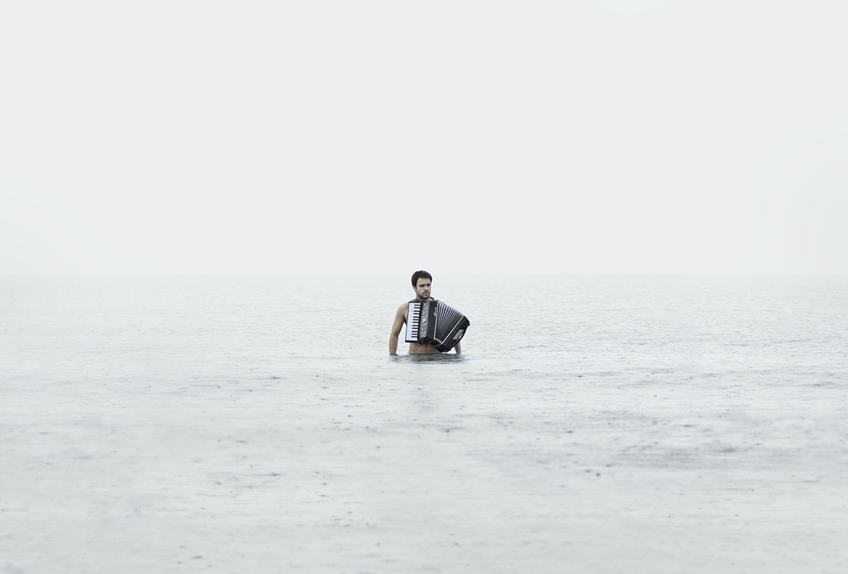 Sonidos ahogados, 01. 2013